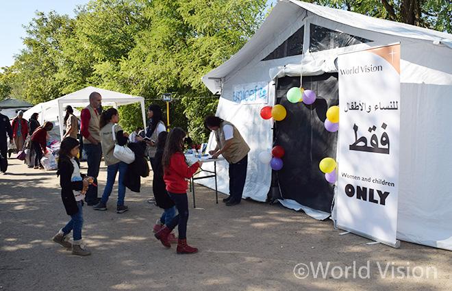 세르비아 국경에 월드비전과 유니세프가 개소한 아동보호심리센터(CFS) 외부모습(사진출처: 월드비전)