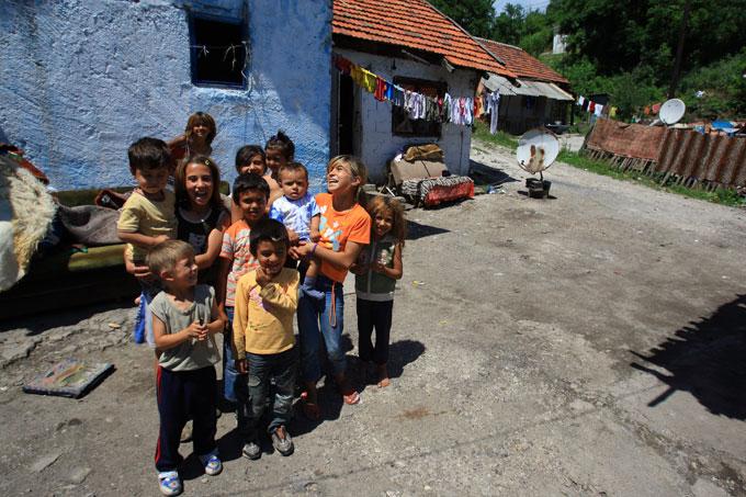 집시촌 풍경과 그곳 아이들. 보스니아의 또다른 면이다.