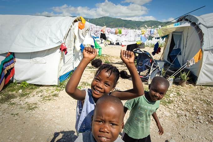 지진 이후 피해아동들을 대상으로 교육, 심리치료, 위생교육 등을 제공하는 것은 구호활동의 핵심 내용 중 하나였다.
