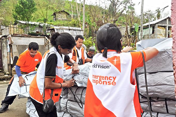 첫 3개월 간 실시된 긴급구호 활동을 통해 피해주민 766,180명과 피해지역 전역에 긴급물품, 식량, 주거, 식수 및 위생 등을 지원했다.