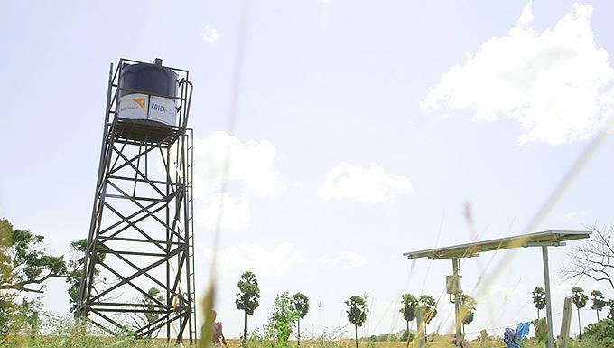 월드비전은 주민들에게 지속가능한 친환경 태양 에너지를 활용한 물시설을 공급하여 농업용수를 원활히 이용할 수 있도록 지원하고 있습니다.