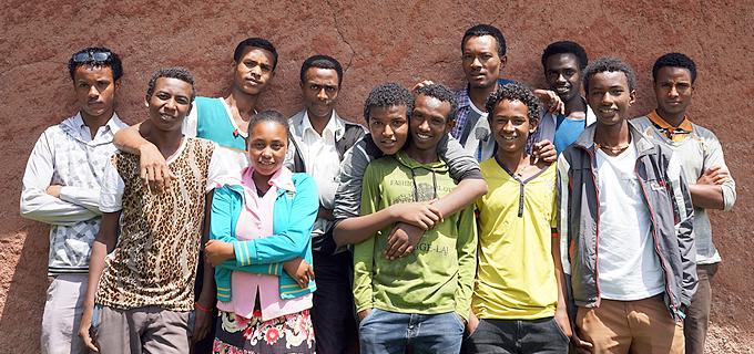 디젤루나 티조 지역 아동의회 대표들. 디젤루나 티조에는 59개의 학교에서 총 122명의 학생이 아동의회 활동을 하고 있다.