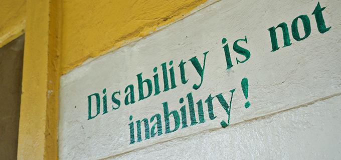 딩쿠의 일을 계기로 사구레 초등학교와 디젤루나 티조 지역에는 장애인에 대한 인식도 많이 바뀌었다고 한다. 사구레 초등학교의 학생들이 그린 벽화. Everyone is handicapped but no one is disabled in everything. 누구나 부족함은 있다. 하지만 모든 방면에 장애를 가진 사람은 없다.