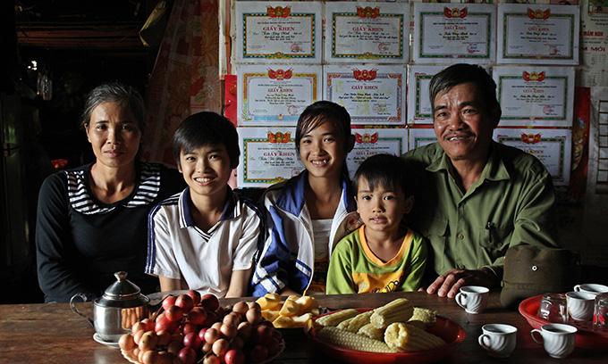 민의 가족사진