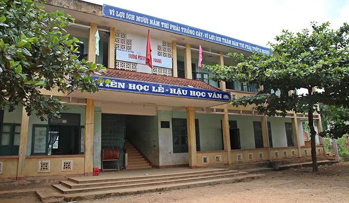 바낭 중학교에서 만난 학생들은 앞으로의 베트남을 더욱 빛나게 할 보석과도 같았다. 어려운 환경 속에서도 쉽게 좌절하거나 포기하지 않고 최선을 다하는 모습을 보며, 할 수 있다면 모든 힘과 지지를 그러모아 그들에게 나눠주고 싶었다. 베트남의 100년, 그 이상의 번영을 가져올 이 아이들을 위해 우리의 응원과 관심을 모아보는 것이 어떨까?