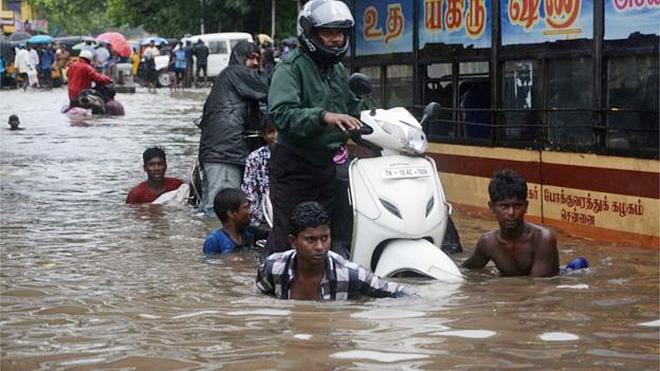 인도 남부 지역의 홍수로 인한 피해 모습(사진출처: AFP)