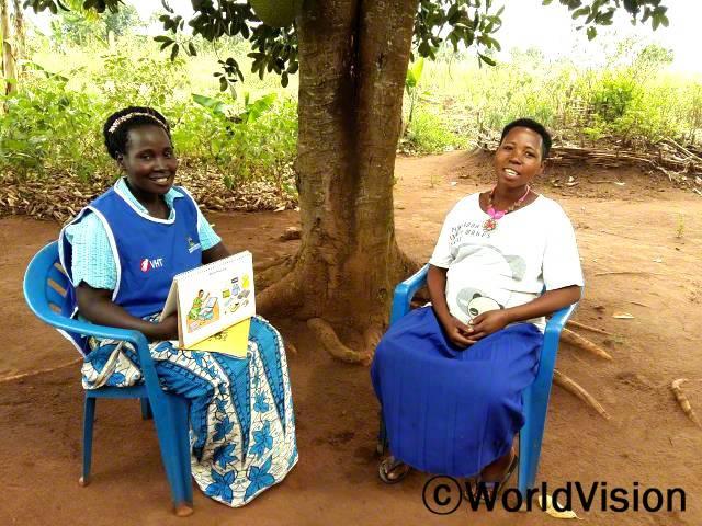 임산부들을 대상으로 상담을 진행할 수 있게 됐어요. - 자넷(지역사회 보건 종사자) 월드비전은 지역사회 보건팀에게 교육을 제공하여 이들이 임산부, 수유부들을 대상으로 상담을 진행할 수 있도록 지원했습니다. 상담을 통해 신생아들과 엄마들이 도움을 받습니다.년 사진