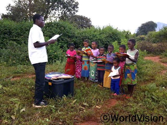 독서캠프에 참여하면서 아이들의 읽기 쓰기 실력이 늘었습니다.년 사진