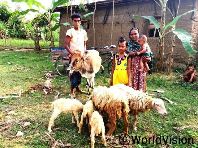 후원 아동, 타미나 (Tahmina) 가족은  경제 자립 지원와 아동 영양식 제공, 교육 제공등의 경제적 후원을 받았습니다. 후원 아동은 더욱 건강하게 성장하여서 학교를 갈 수 있게 되었습니다.년 사진