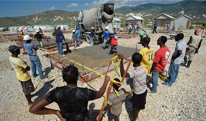 2010년 아이티 지진피해 주민들을 위해 월드비전은  수도 포토프랭스 외곽에 코라일 난민촌을 건설했다.