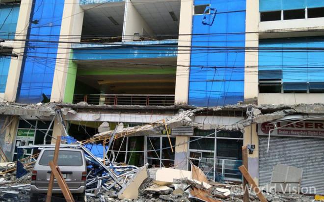 지진의 피해를 입은 수리가오(Surigao)주립공과대학 (출처: 월드비전)